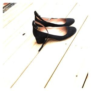 Madewell black suede mini heel - size 8
